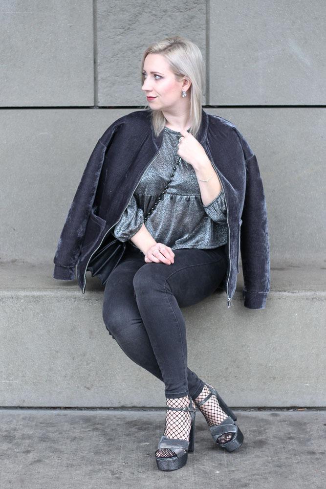 silvesterlook-blogger-puppenzirkus-silvester-2016-outfit-metallic-fishnet-velvet-14