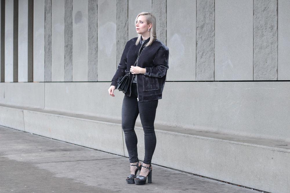 silvesterlook-blogger-puppenzirkus-silvester-2016-outfit-metallic-fishnet-velvet