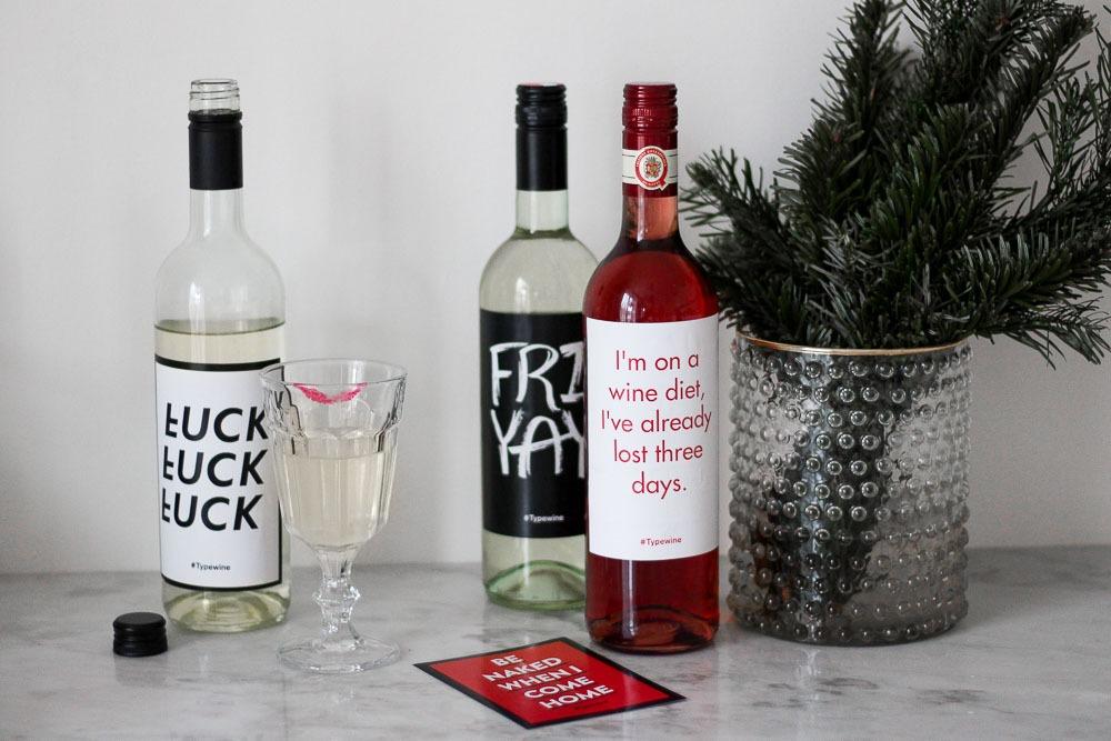 typewine-wine-labels-weinflasche-typografie-adventskalender-2