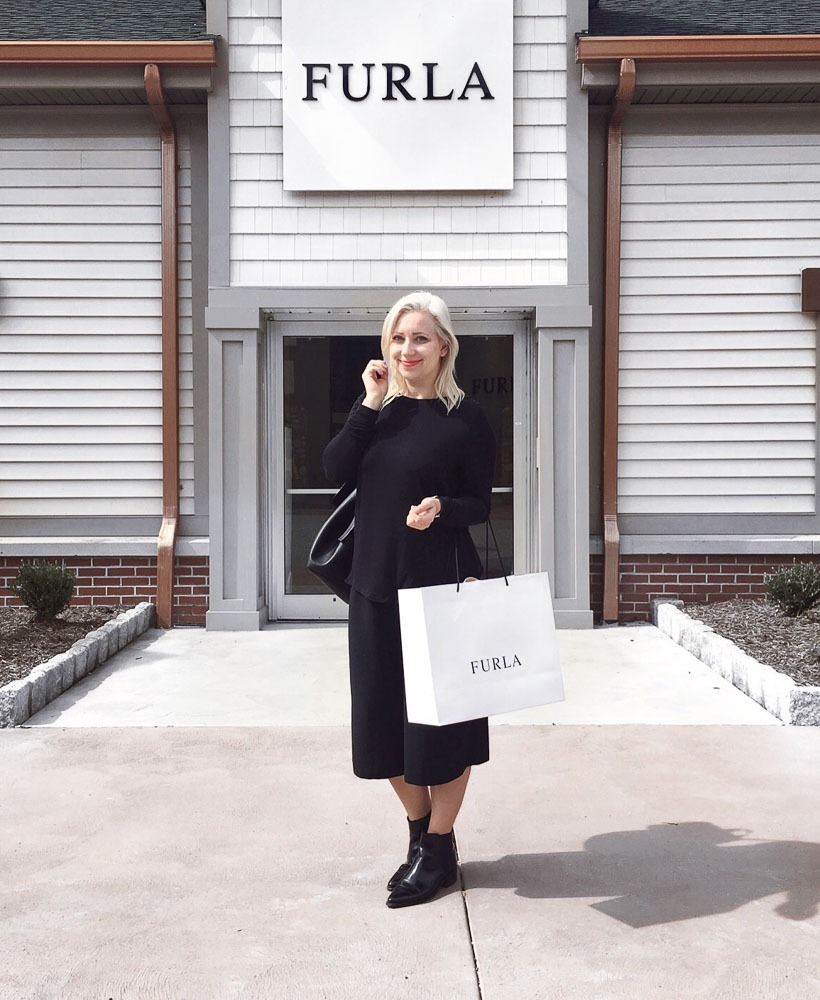 woodbury-commons-outlet-lohnt-es-sich-empfehlung-review-shops-prozente-new-york-outlet-3
