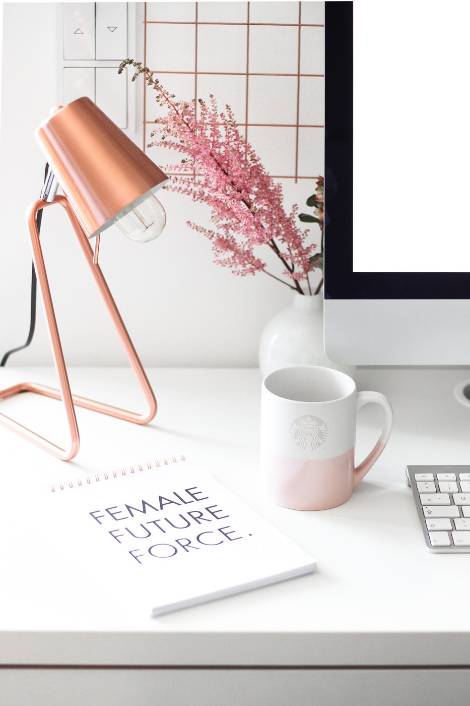 Heute Soll Es Aber Um Meinen Arbeitsplatz Zu Hause Gehen: Um Mein Home  Office, Schreibtisch Und Ort Der Kreativität. Deshalb Zeige Ich Euch, Wo  Ich Gerade ...