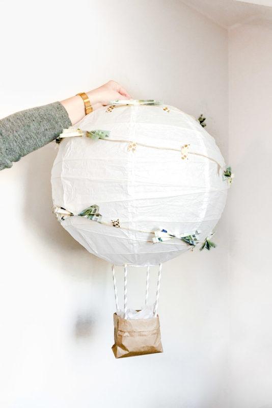 DIY Heißluftballon: Geldgeschenk für die Hochzeit