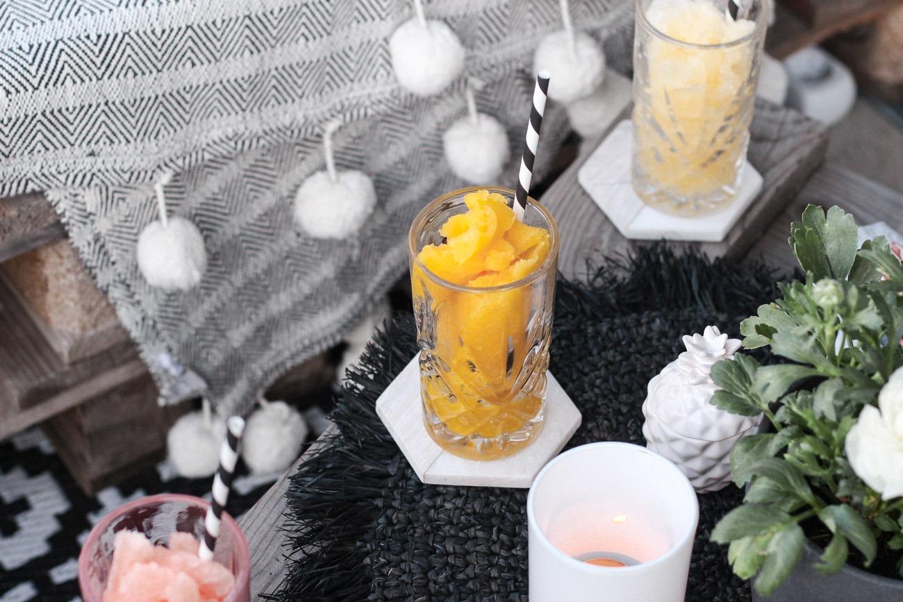 Sommerliche Cocktails für den perfekten Mädelsabend