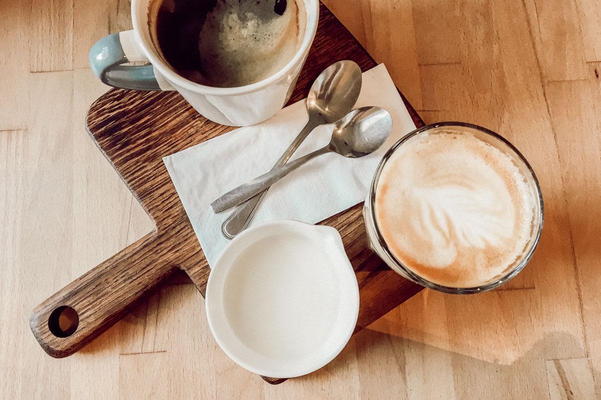 Der Kaffee schmeckt himmlisch im Babuschka!