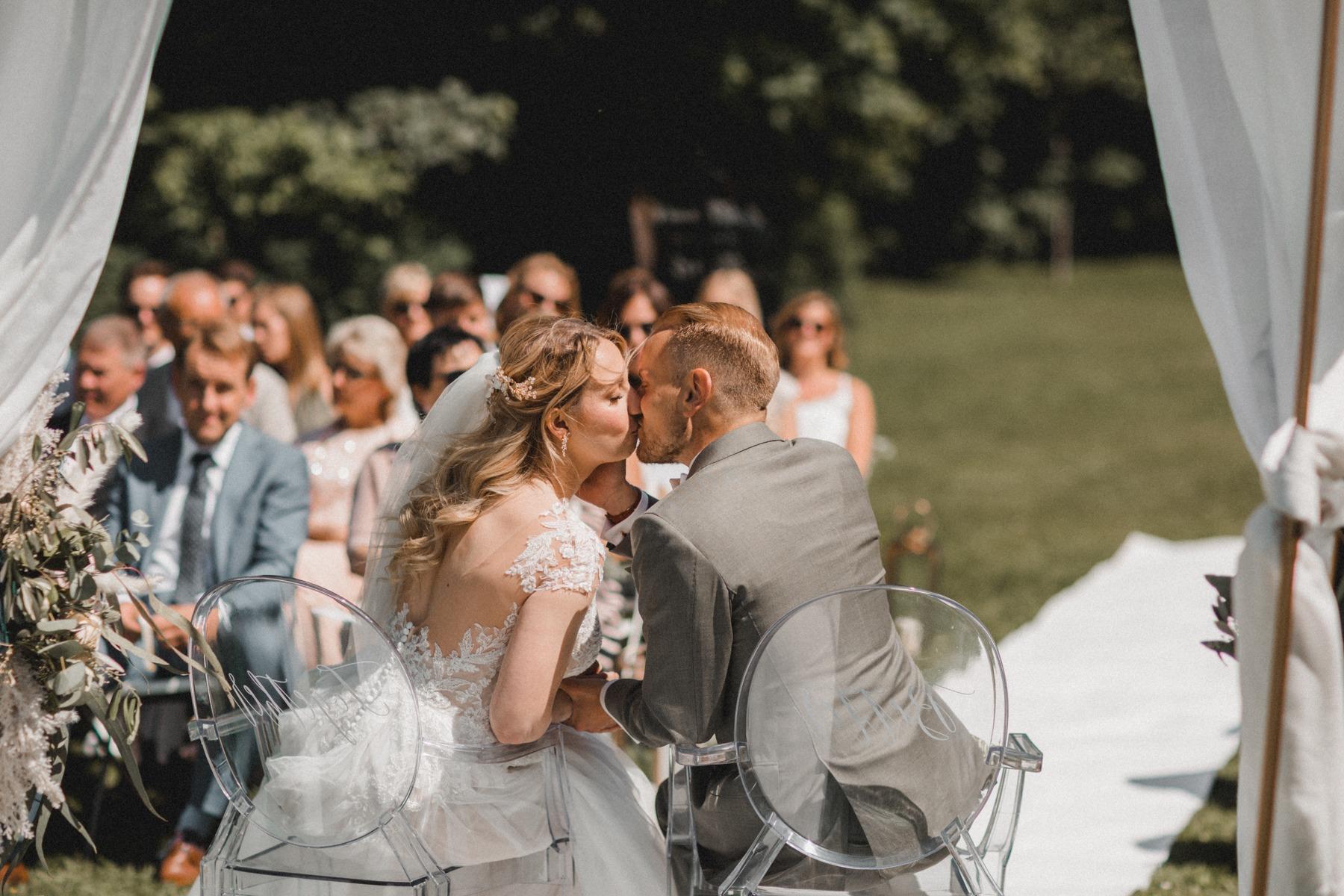 Die freie Trauung und das glückliche Brautpaar