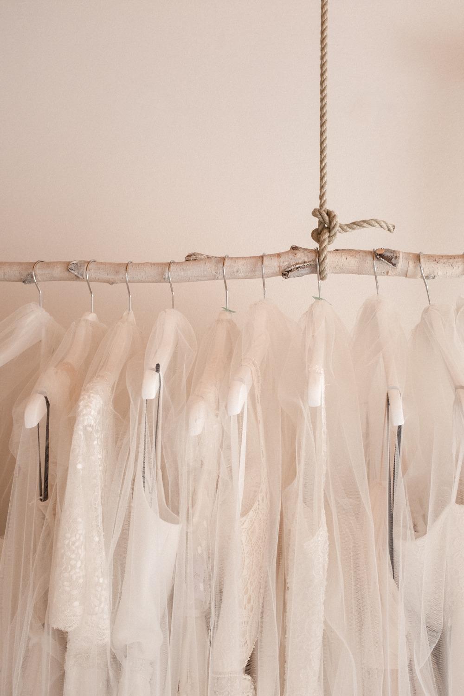 Nachhaltige Brautmode kann auch Second Hand oder geliehen wunderschön sein