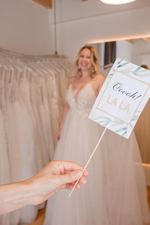 Say Yes-Schildchen für den Brautkleid Kauf