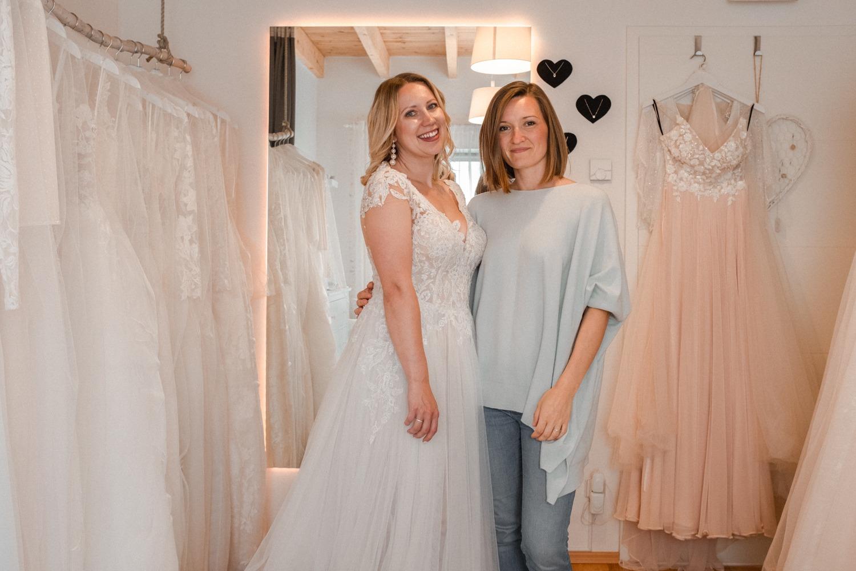 Das Brautzimmer in Berlin und die beste Brautberaterin Kathi beim Brautkleid kaufen
