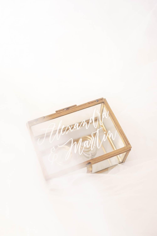 Ringkästchen personalisiert Gold mit Eheringe Vintage