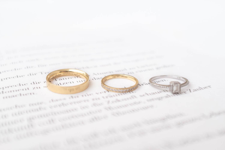 Ehering Material Gold mit Diamanten und Trauringe Sprüche