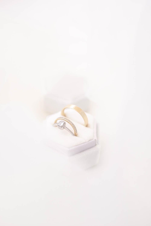 Eheringe Gold ohne Stein und mit Diamanten