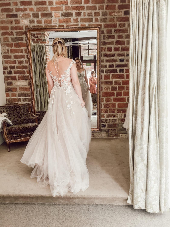 Romantisches Brautkleid im polnischen Brautkleidladen Madonna