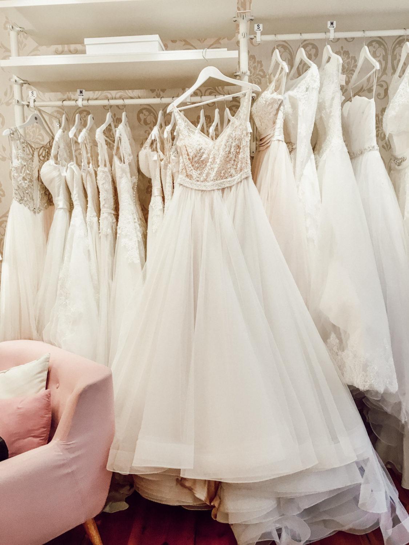 Wundervolles Brautkleid in A-Linie und Tüll