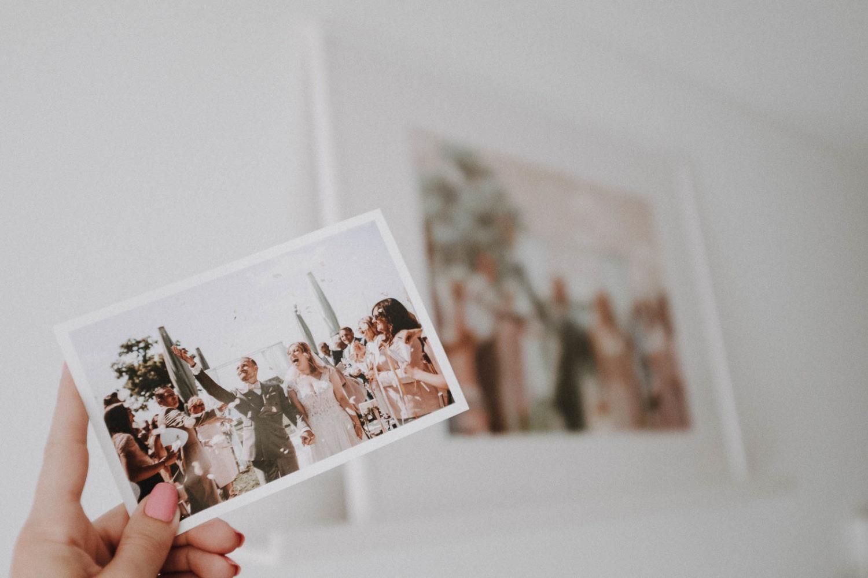 Vorher/Nachher Hochzeitsgeschenk personalisiert mit einem Hochzeitsgemälde für das Brautpaar