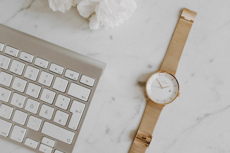 Vorteile von Pinterest Marketing mit Flatlay Schreibtisch